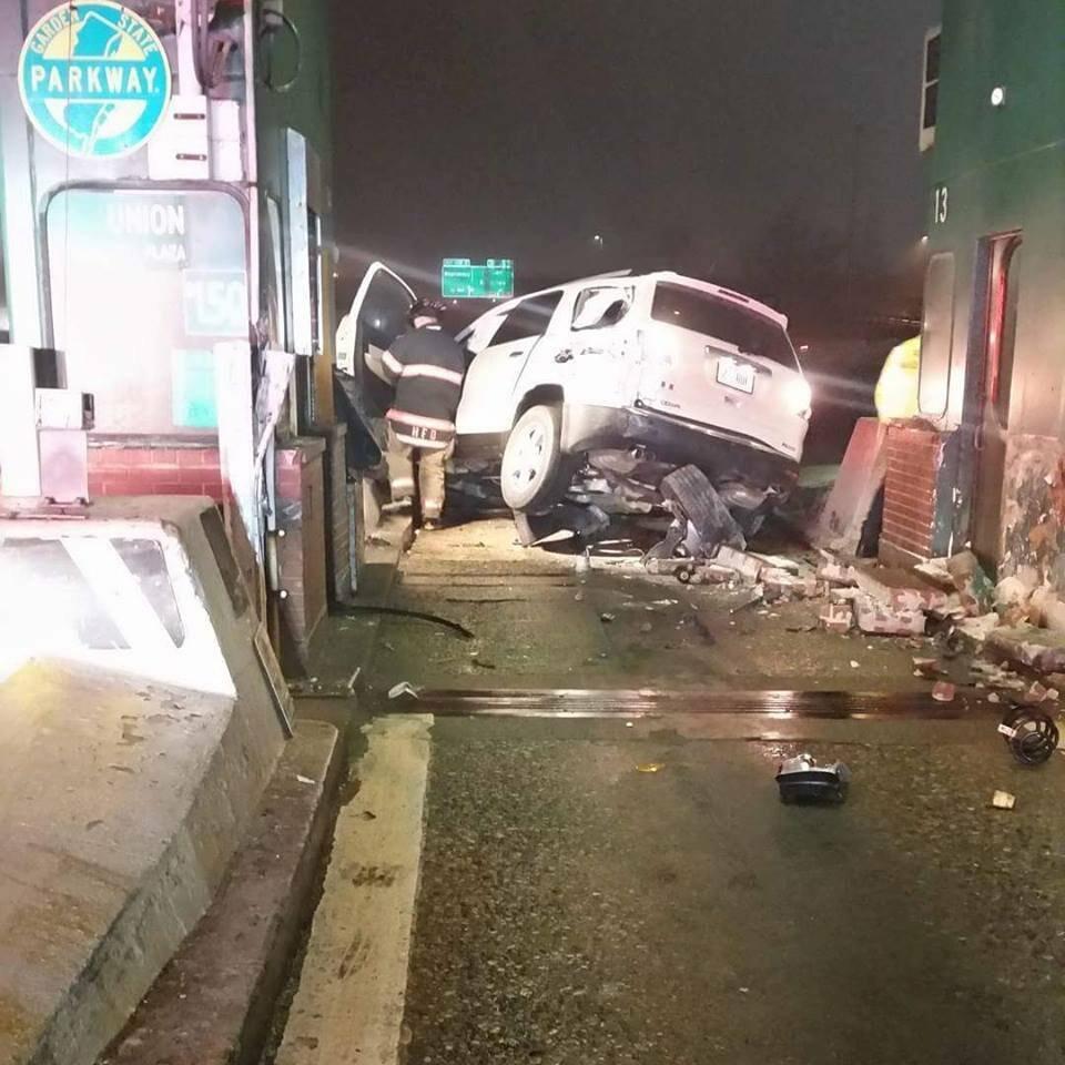 Crash Damages Garden State Toll Booth in Hillside
