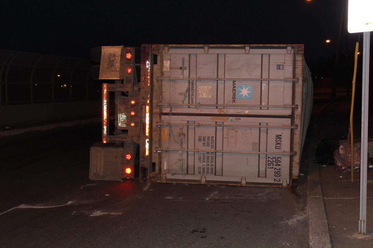 TRAFFIC ALERT: Truck Overturns in Newark's South Ward
