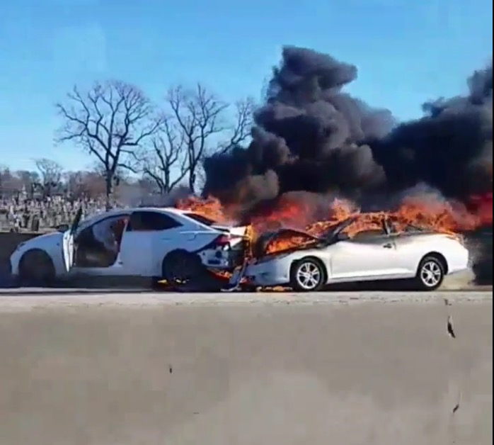 Breaking Newark Nj Crash Causes Car To Explode On Garden State Parkway In Newark