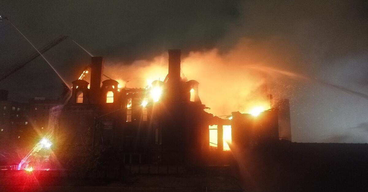 Breaking Newark Fire Tears Through Newark Historic