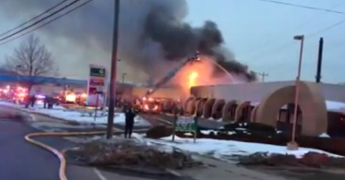 Firefighters battle strip mall fire in sayreville for Aaina beauty salon parlin